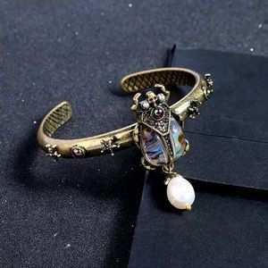 🖤Antique gold insects bracelet